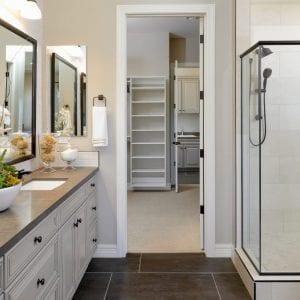 Bathroom Wilmington RegalWhite BlackGlaze Maple