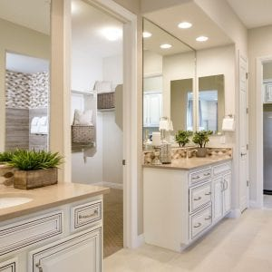 Bathroom Timeless Wilmington RegalWhite BlackGlaze Maple